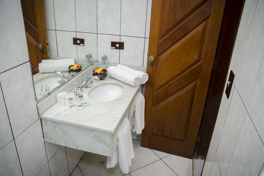 Banheiro Suite Familia Com Varanda Strand Hotel