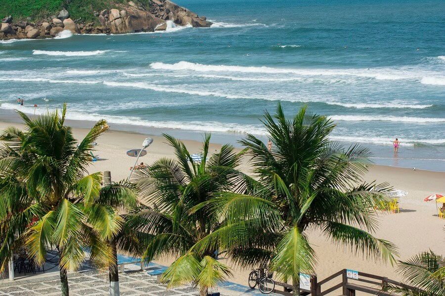 Praia Tombo Guarujá SP